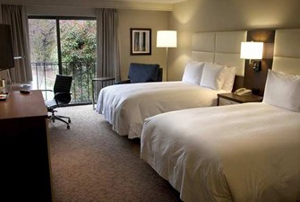Williamsburg golf package hotels