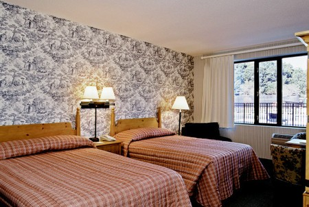 Williamsburg Golf  Resorts Colonial Williamsburg Woodlands Hotel